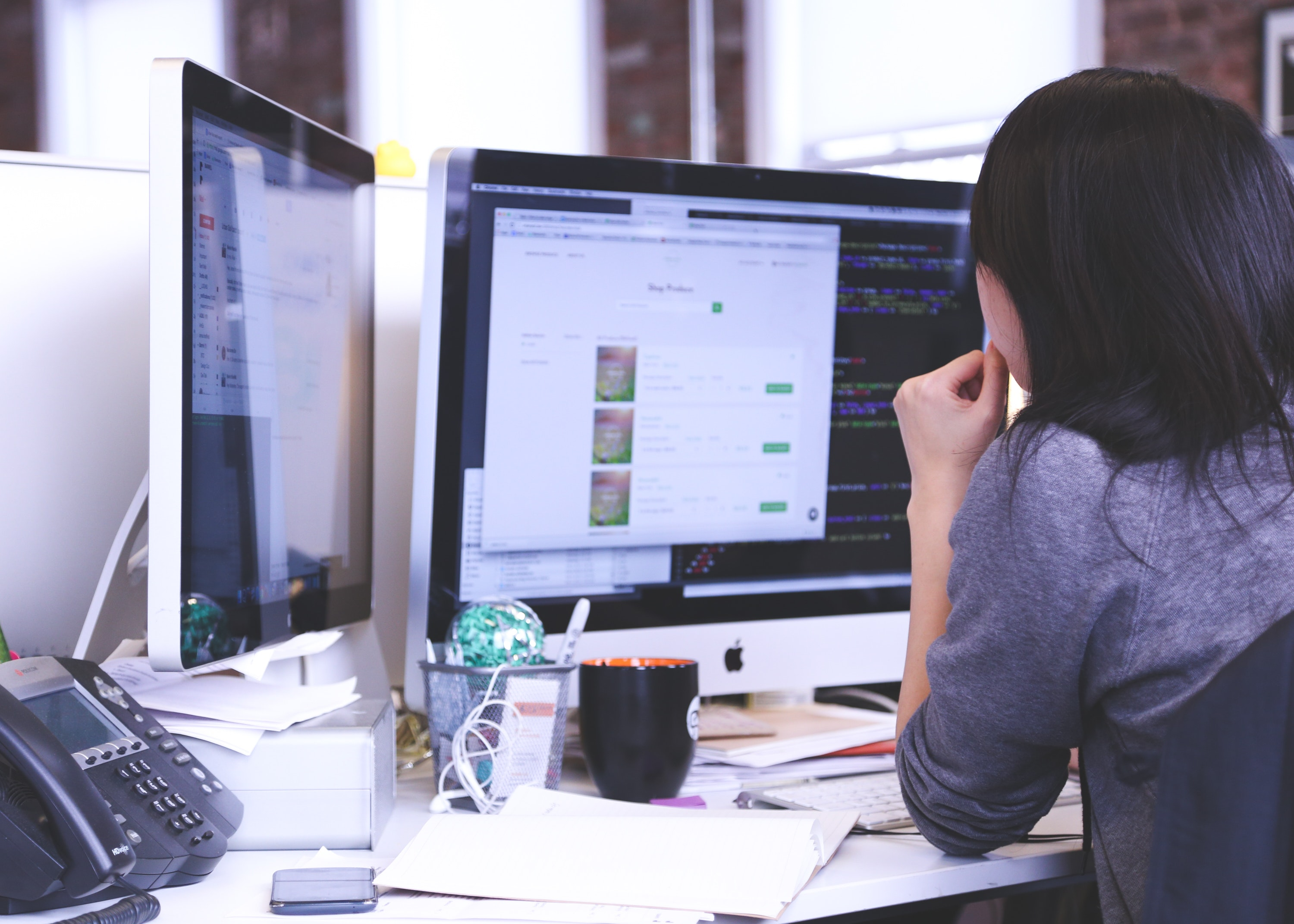 How to avoid the risks of software development outsourcing